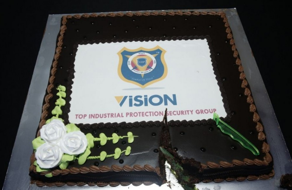 Vision Launch cake cutting